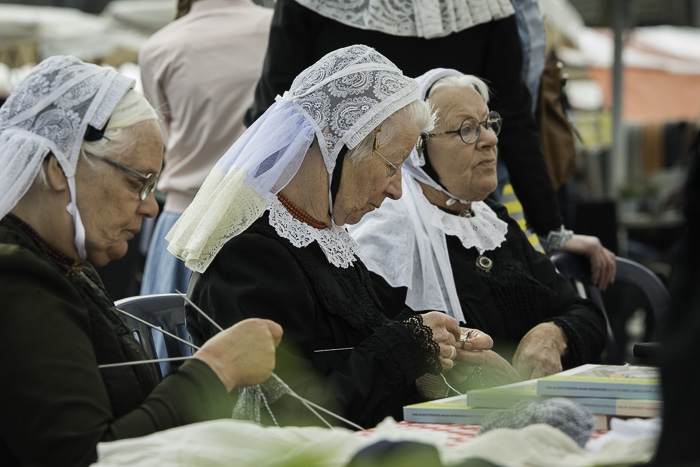 Nunspeet - Eibertjesdag  Foto-Nunspeetse klederdracht (fotoBramvandeBiezen)